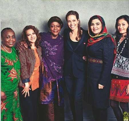 مبارزه آنجلینا جولی با نژاد پرسی | عکس خبرساز آنجلینا جولی |  آنجلینا جولی در مخالفت با نژادپرسی | عکس جالب آنجلینا جولی | عکس متفاوت آنجلینا جولی | زیباترین عکس آنجلینا جولی