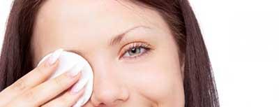 آرایش چشم | چگونگی آرایش چشم | عوارض آرایش چشم | عوارض ناشی از پاک نکردن آرایش چشم | ضررهای آرایش چشم | چگونه چشمانمان را آرایش کنیم ؟ | بهترین روش ممکن برای آرایش چشم | مدل آرایش چشم | بهداشت آرایش چشم