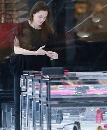 آنجلینا جولی بدون آرایش