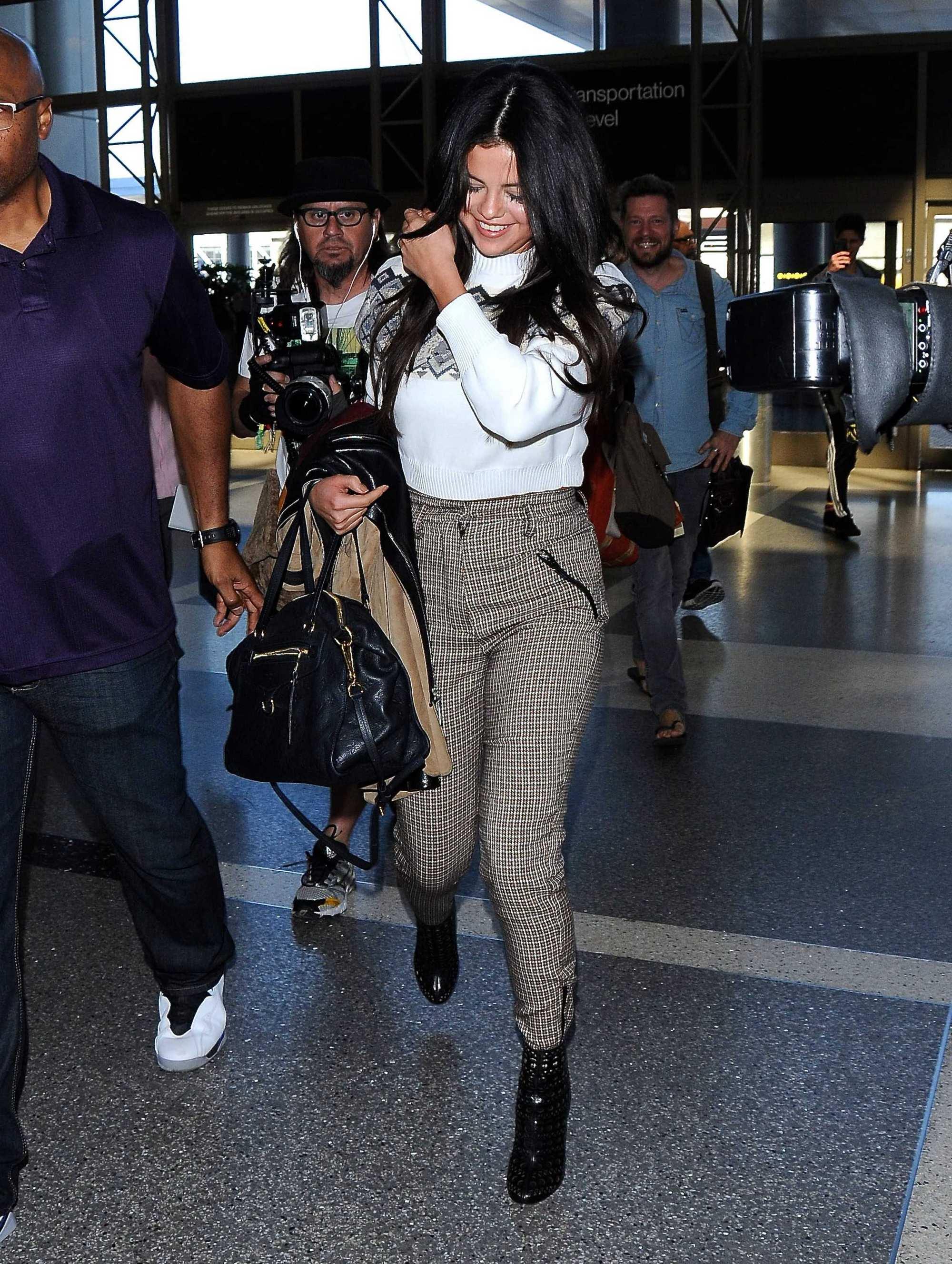 عکس های سلنا در فرودگاه لس انجلس