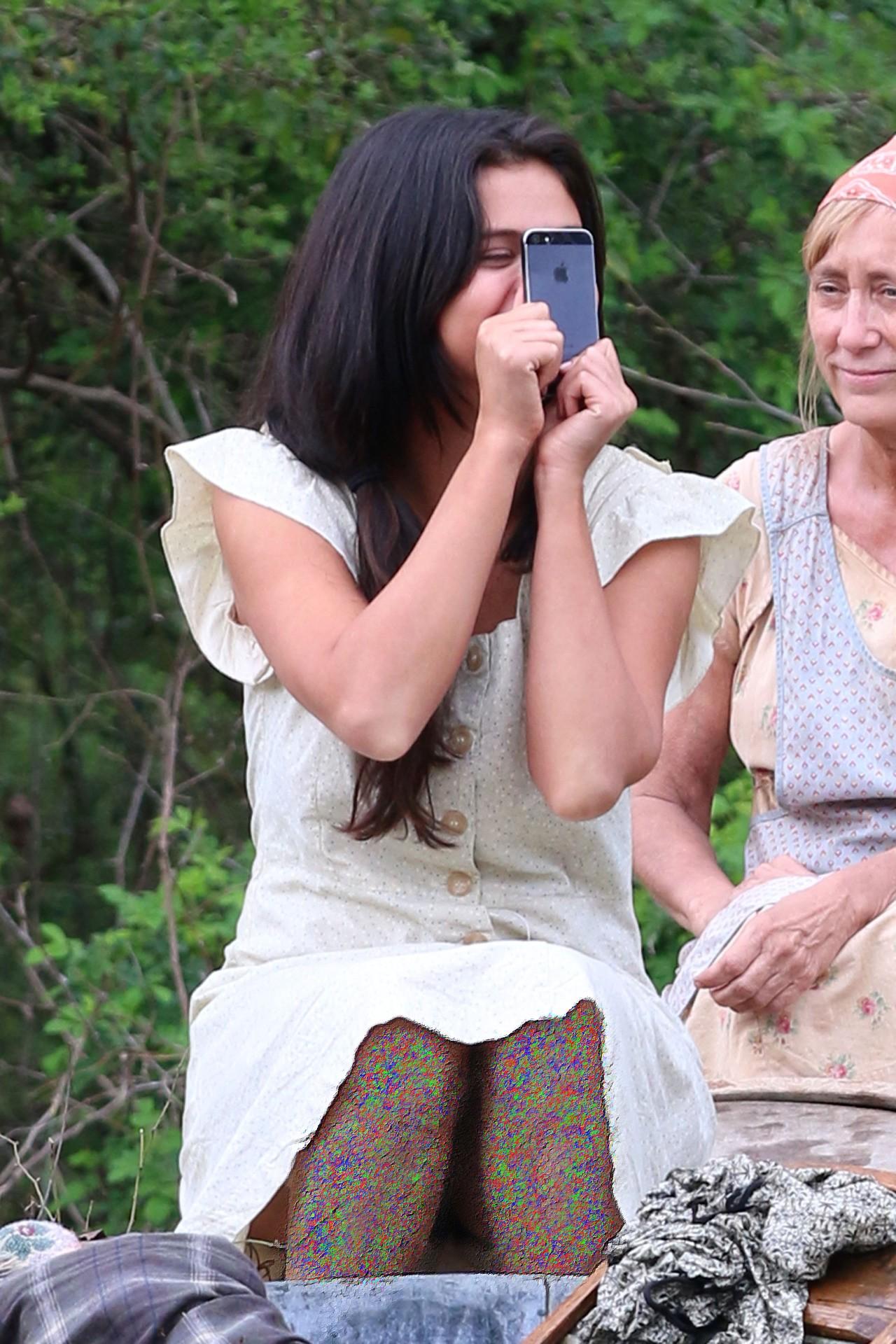 سلنا گومز | درنبردی مشکوک سلنا گومز | پشت صحنه فیلم در نبردی مشکوک | معرفی فیلم در نبردی مشکوک | سلنا گومز در فیلم جدیدش 2015 | فیلم جدید سلنا گومز