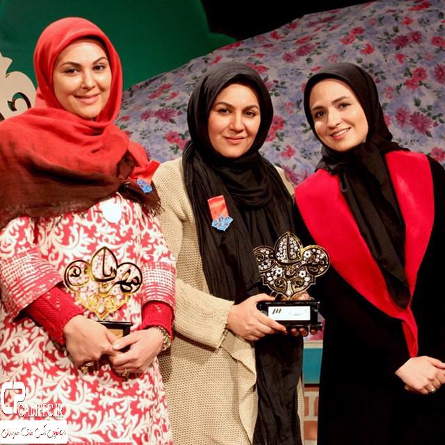 گلاره عباسی و لاله و ستاره اسکندری در پشت صحنه برنامه مهر بانو