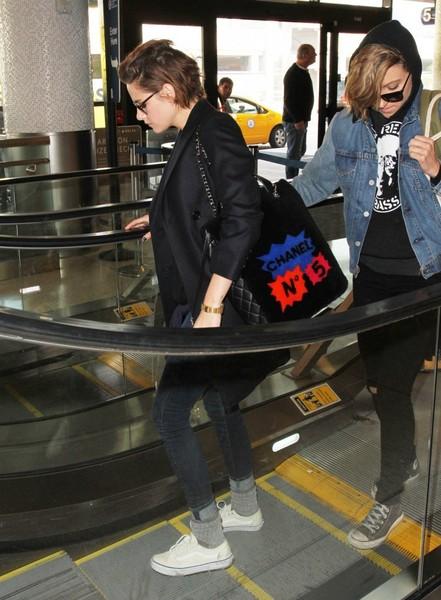 Kristen Stewart - Kristen Stewart and Alicia Cargile at LAX
