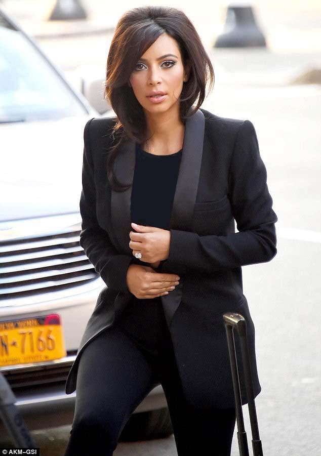Kim Kardashian | کیم کارداشیان | عکس های جدید کیم کارداشیان | کیم کارداشیان 2014 | جدیدترین عکس های کیم کارداشیان | کیم کارداشیان و همسرش | کیم کارداشیان و کانیه وست | کیم کارداشیان و کانیه وست 2014 | کیم کارداشیان و دخترش | کیم کارداشیان و نورث | کیم کارداشیان و دخترش 2014 | کیم کارداشیان و خواهرش | عکس های خواهران کارداشیان | شاتهای جدید کیم کارداشیان | فتوشاتهای جدید کیم کارداشیان 2014  | کیم کارداشیان دانلود | کیم کارداشیان کلیپ | آریا فان | سایت عکس خوانندگان هالیوودی