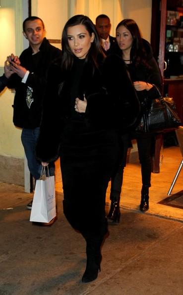 Kim Kardashian | کیم | Kim Kardashian 2014 | کیم کارداشیان | کیم کارداشیان 2014 | عکس های کیم کارداشیان | عکس های جدید کیم کارداشیان | کیم کارداشیان و همسرش | کیم کارداشیان و کانیه وست | کیم کارداشیان و کانیه وست 2014 | بیوگرافی کیم کارداشیان | دانلود کلیپ کیم کارداشیان | عکس های جدید کیم کارداشیان و کانیه وست 2014 | تیپ جدید کیم کارداشیان | رنگ موی جدید کیم کارداشیان | کیم کارداشیان دانلود | کیم کارداشیان فیلم | کیم کارداشیان دانلود فیلم | کیم کارداشیان و کریس رونالدو | آریا فان
