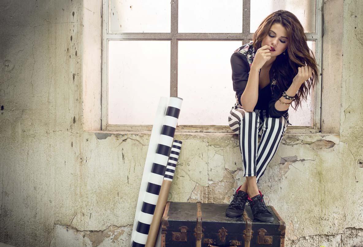 Selena Gomez | عکس های جدید سلنا گومز | جدیدترین عکس های سلنا گومز | عکس های سلنا گومز 2014 | سلنا گومز 2014 | فتوشات های جدید سلنا گومز | شات های سلنا گومز | فتوشات های سلنا گومز برای آدیداس نئو | شات های تبلیغاتی سلنا گومز برای آدیداس نئو | فتوشات های تبلیغاتی سلنا گومز برای آدیداس نئو | دانلود آهنگ های سلنا گومز | دانلود فیلم های سلنا گومز | کلیپ جدید سلنا گومز | سلنا گومز و جاستین بیبر | سلنا گومز و مادرش | عکس های سلنا گومز 2014 | سلنا گومز و دمی لوتو | سلنا گومز و تیلور سوئیفت | عکس های کنسرت جدید سلنا گومز | آریا فان