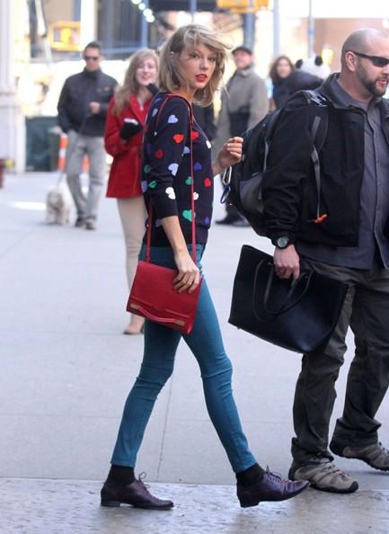 Taylor Swift | عکس های جدید تیلور سوئیفت | جدیدترین عکس های تیلور سوئیفت | تیلور سوئیفت 2014 | عکس های تیلور سوئیفت 2014 | تیلور سوئیفت بیوگرافی | شاتهای جدید تیلور سوئیفت | تیلور سوئیفت و سلنا گومز | عکس تیلور سوئیفت | عکس های تیلور سوئیفت در سال 2014 | دانلود آهنگ های تیلور سوئیفت | دانلود آهنگ جدید تیلور سوئیفت | تیلور سوئیفت در فروشگاه | عکس تیلور سوئیفت و نامزدش | تیلور سوئیفت و هری استایلز | آریا فان